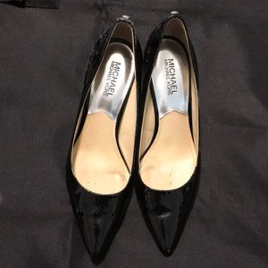 Michael Michael Kors patent leather pumps